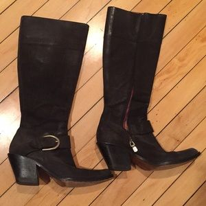 Shoes - 6.5 heeled leather boot with side zip and buckle